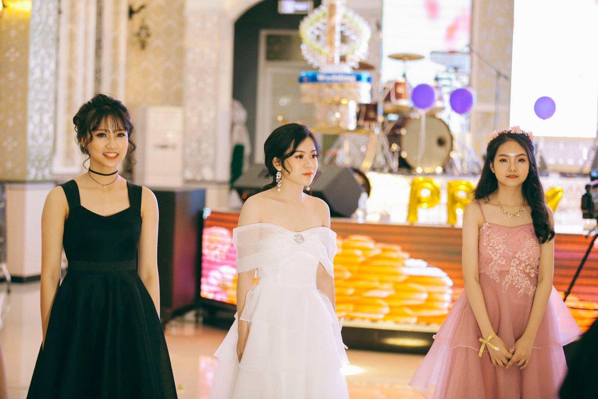 Không chỉ RMIT, trường chuyên phố núi Kon Tum cũng khiến chúng ta đã mắt với dàn trai xinh gái đẹp trong tiệc prom - Ảnh 14.