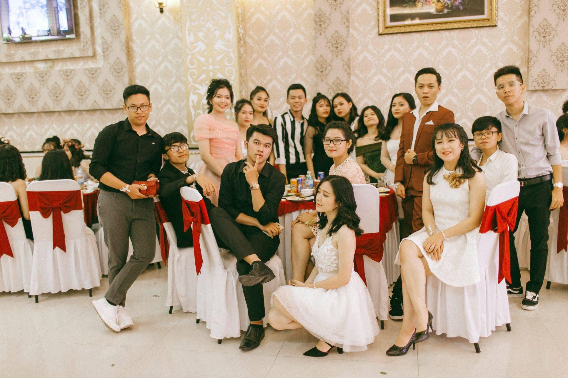 Không chỉ RMIT, trường chuyên phố núi Kon Tum cũng khiến chúng ta đã mắt với dàn trai xinh gái đẹp trong tiệc prom - Ảnh 15.