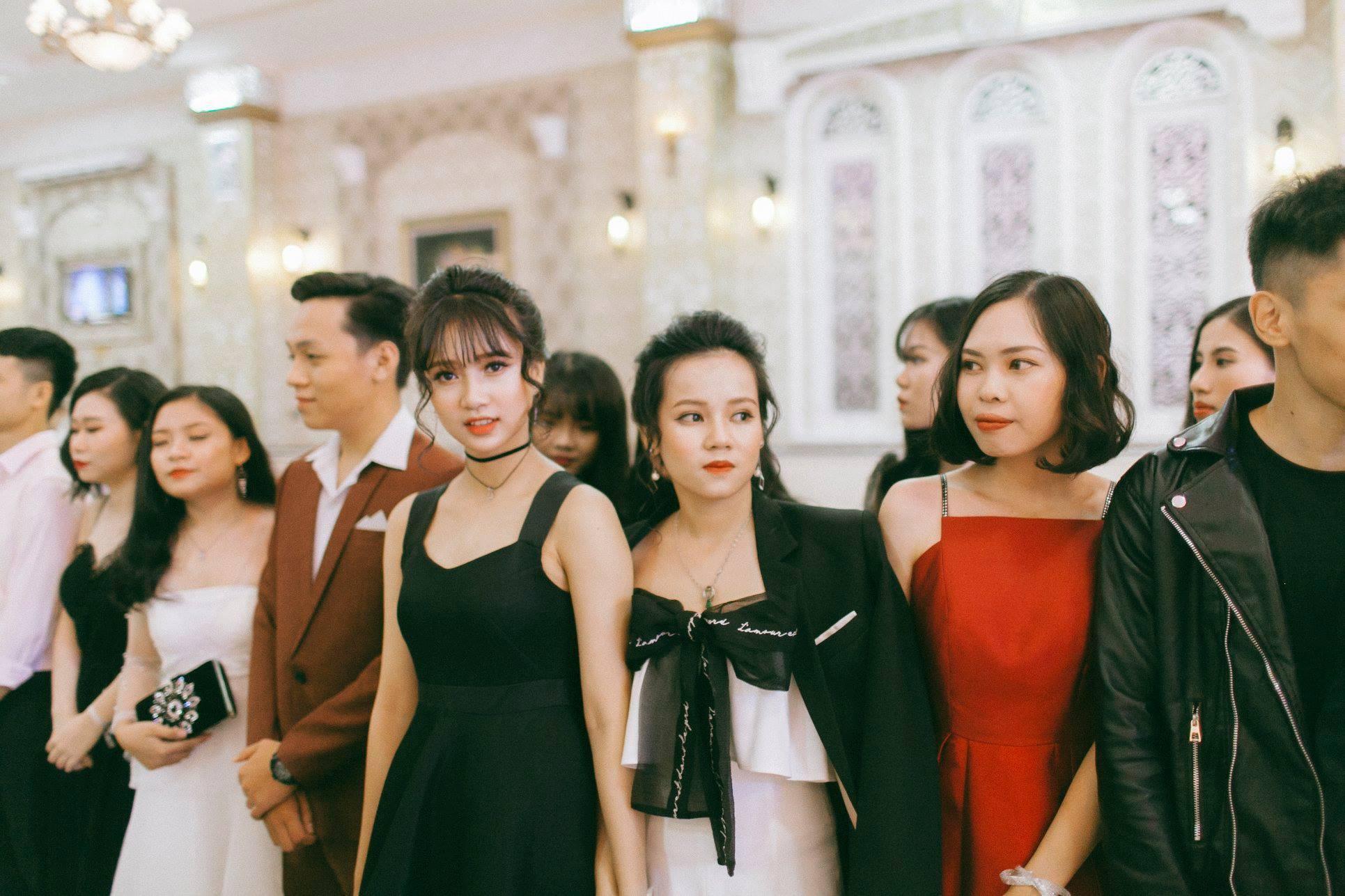 Không chỉ RMIT, trường chuyên phố núi Kon Tum cũng khiến chúng ta đã mắt với dàn trai xinh gái đẹp trong tiệc prom - Ảnh 20.