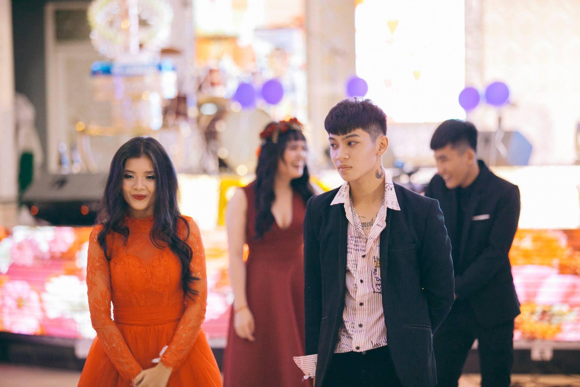 Không chỉ RMIT, trường chuyên phố núi Kon Tum cũng khiến chúng ta đã mắt với dàn trai xinh gái đẹp trong tiệc prom - Ảnh 21.