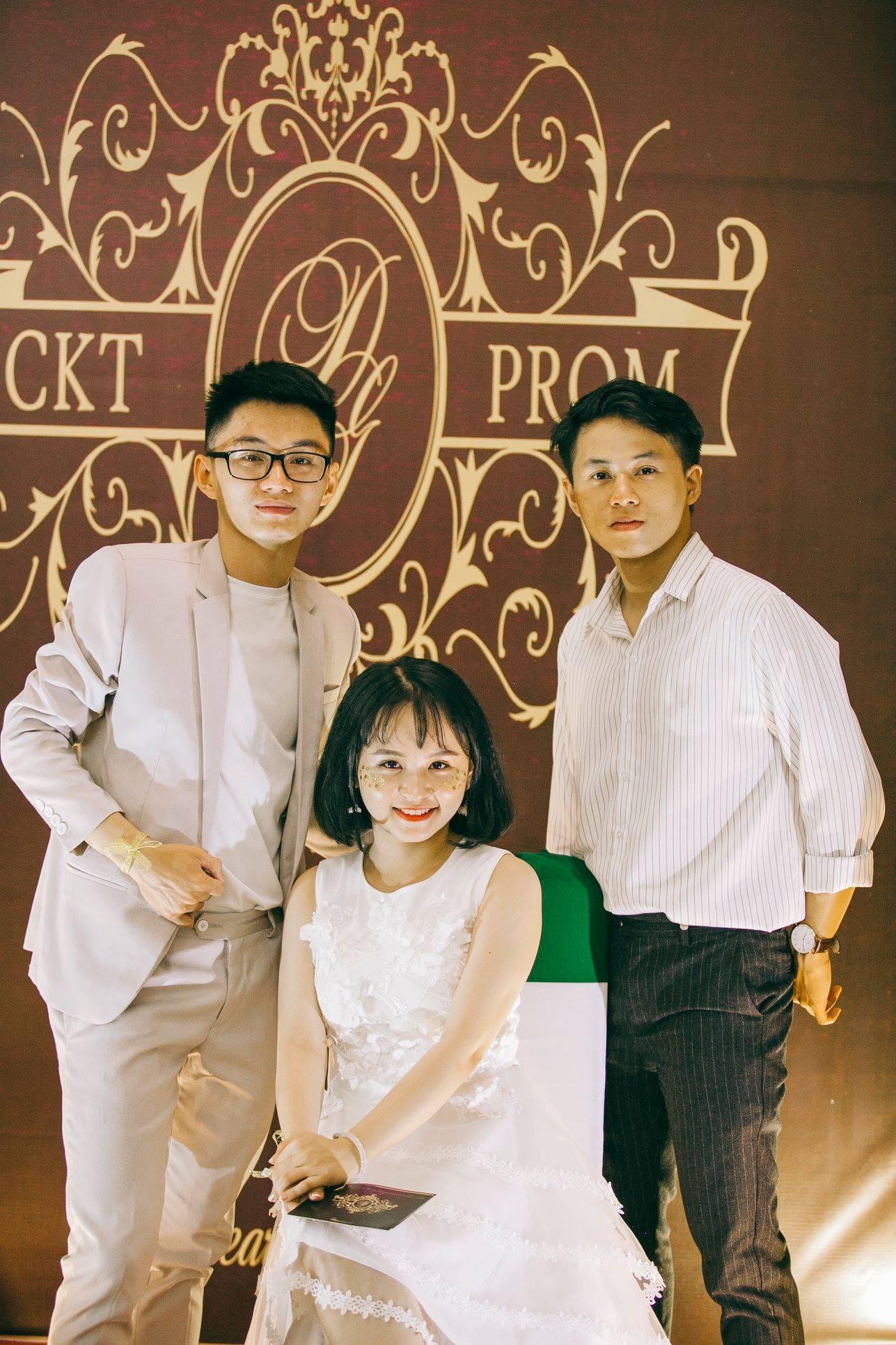 Không chỉ RMIT, trường chuyên phố núi Kon Tum cũng khiến chúng ta đã mắt với dàn trai xinh gái đẹp trong tiệc prom - Ảnh 22.