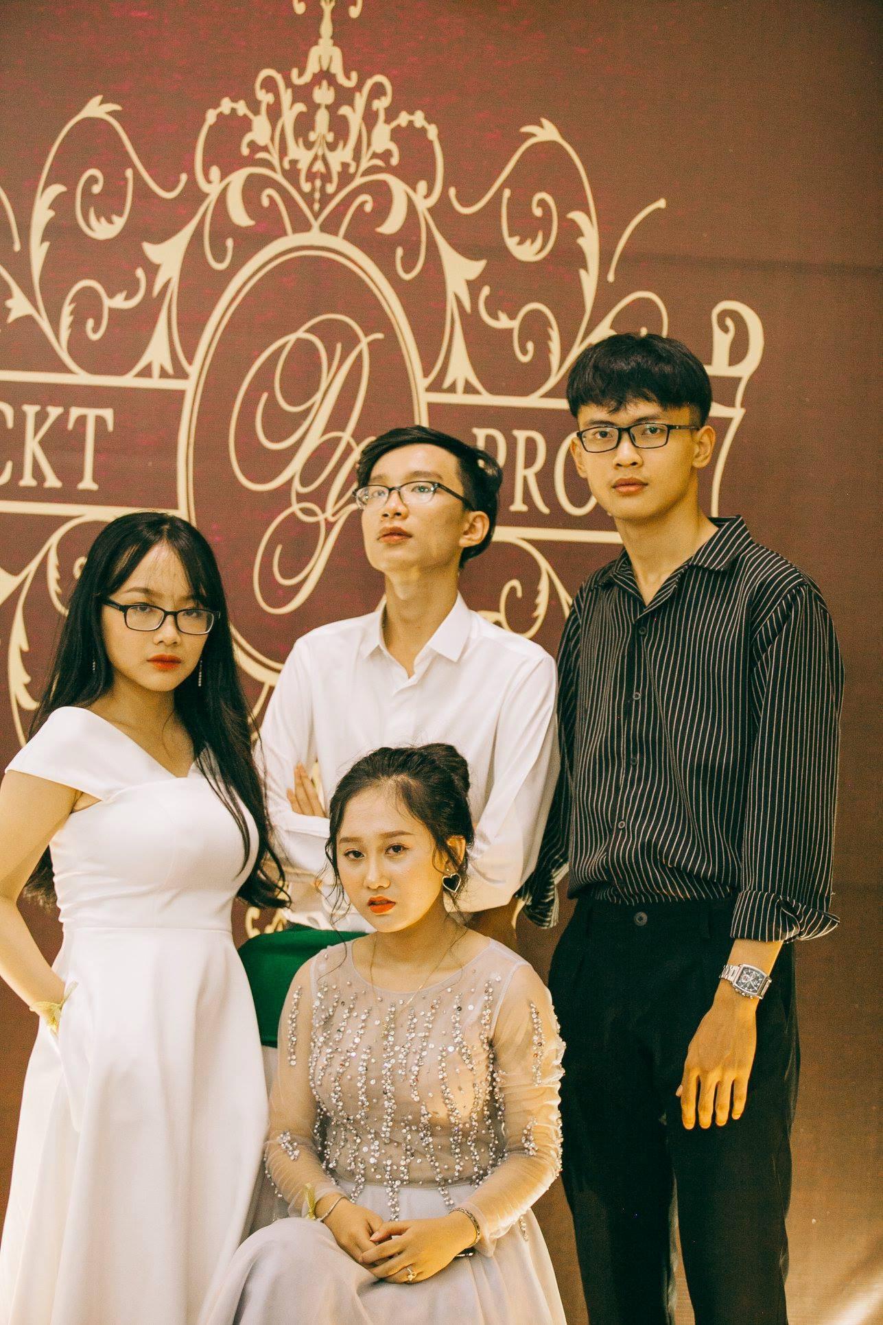 Không chỉ RMIT, trường chuyên phố núi Kon Tum cũng khiến chúng ta đã mắt với dàn trai xinh gái đẹp trong tiệc prom - Ảnh 27.