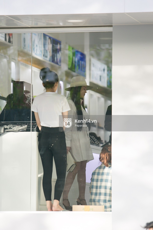 Sau khi tiết lộ ngôi nhà 5 triệu đô giữa trung tâm TP.HCM, Huyền Baby gây chú ý khi tự lái xế hộp 21 tỷ đồng đi dạo phố - Ảnh 11.