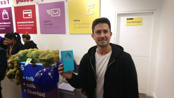 Chuyện thật như đùa: Anh chàng người Chile này đã mua một chiếc smartphone mới bằng... gần 60 cân bơ - Ảnh 2.
