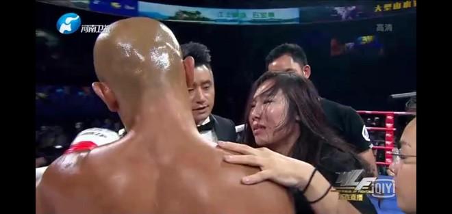 """""""Ngọc nữ"""" xinh như mộng đã khóc khi Yi Long thua thảm là ai? - Ảnh 1."""