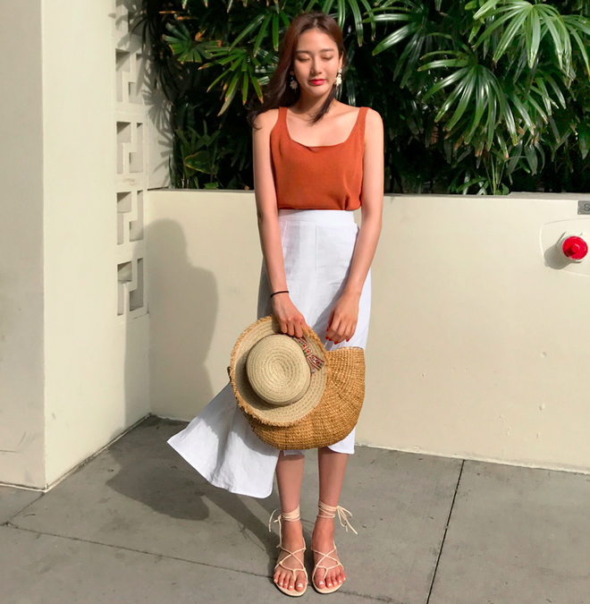 Combo áo hai dây + chân váy midi: vừa xinh vừa điệu, lại siêu mát để nàng tha hồ dạo phố cuối tuần - Ảnh 14.