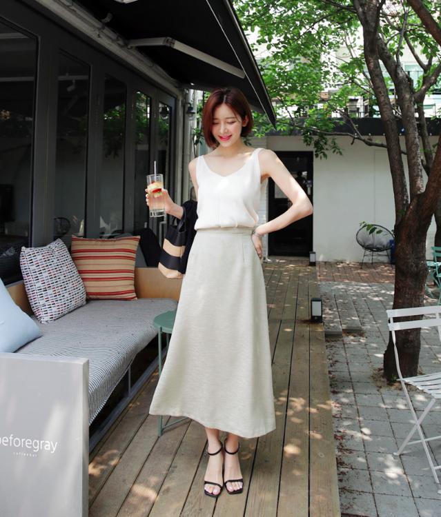 Combo áo hai dây + chân váy midi: vừa xinh vừa điệu, lại siêu mát để nàng tha hồ dạo phố cuối tuần - Ảnh 6.