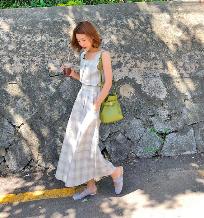 Combo áo hai dây + chân váy midi: vừa xinh vừa điệu, lại siêu mát để nàng tha hồ dạo phố cuối tuần - Ảnh 7.