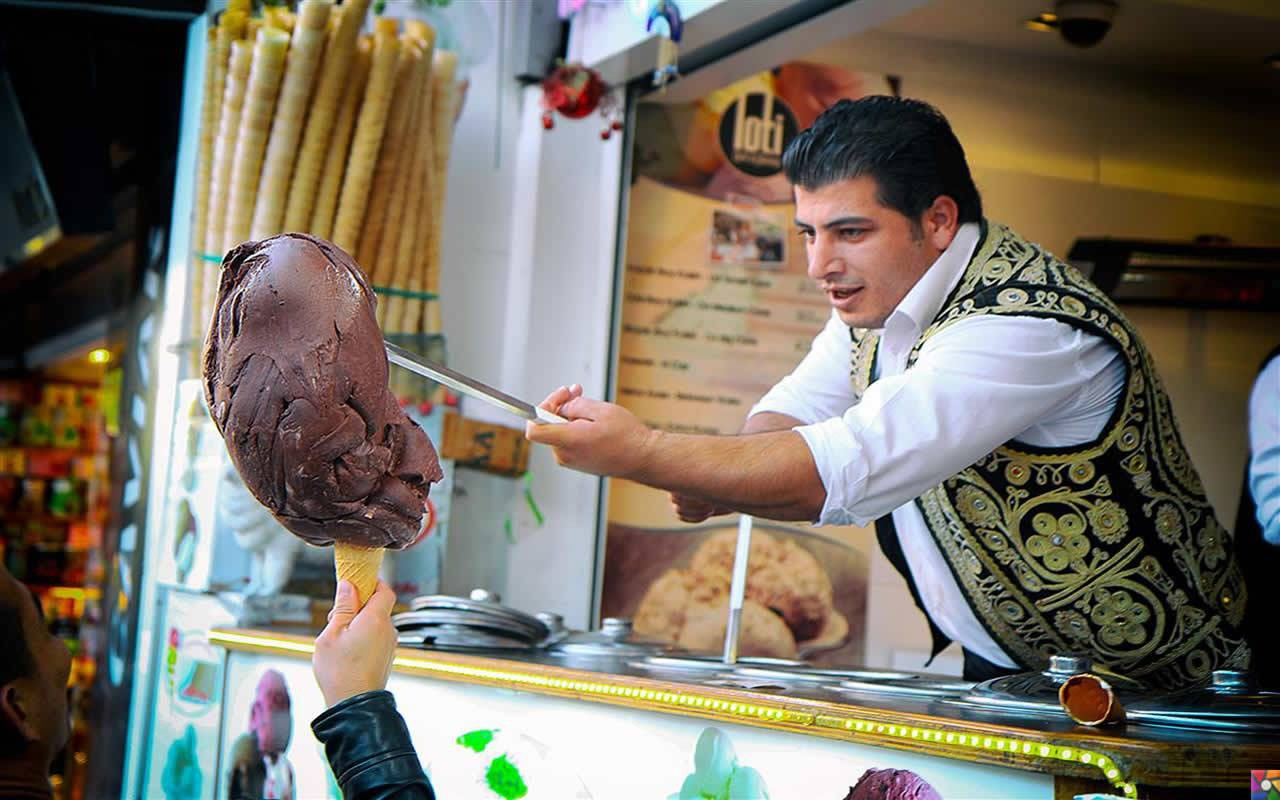 Ở Thổ Nhĩ Kỳ có một loại kem phải dùng đến dao để chặt thì mới lấy kem ăn được - Ảnh 5.