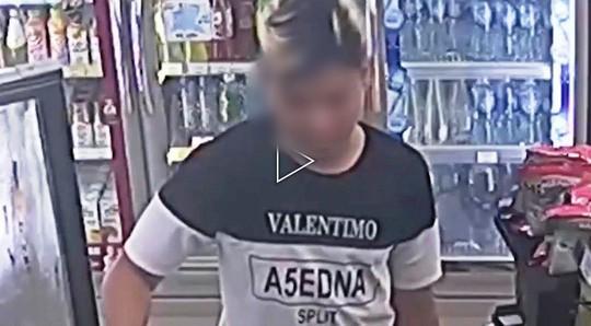 Đã bắt được băng cướp nhí xông vào cửa hàng tiện lợi hành hung nhân viên, cướp hàng hóa ở Sài Gòn - Ảnh 2.