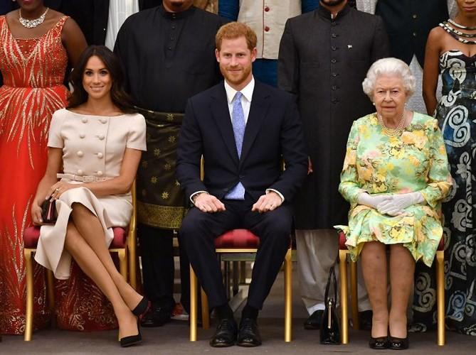 Ảnh: Công nương Anh Meghan Markle tỏa sáng nhờ gu thời trang tinh tế - Ảnh 2.