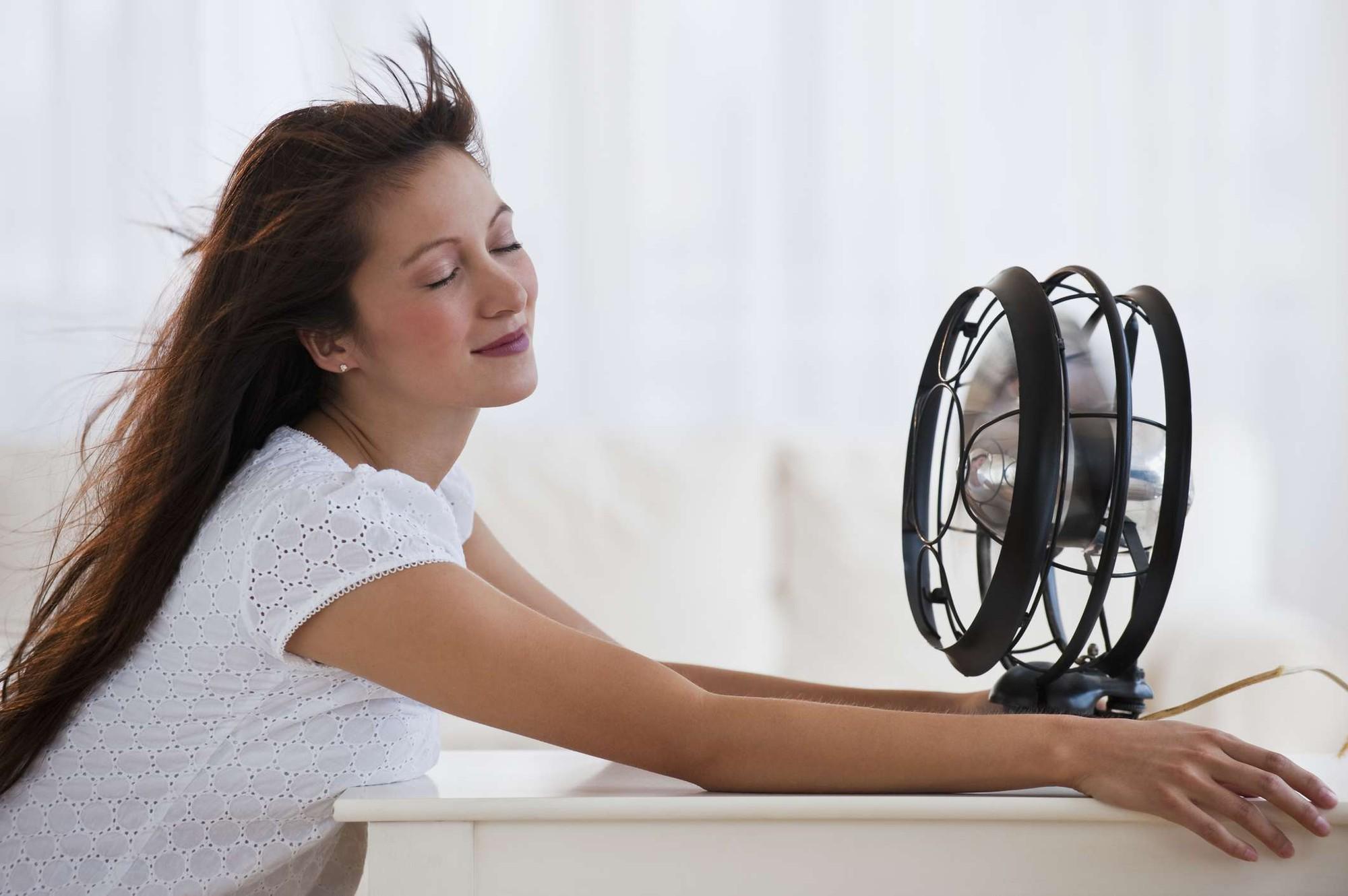 Mùa hè dùng quạt điện cần tránh mắc phải 4 sai lầm này kẻo gây hại nghiêm trọng tới sức khỏe - Ảnh 4.