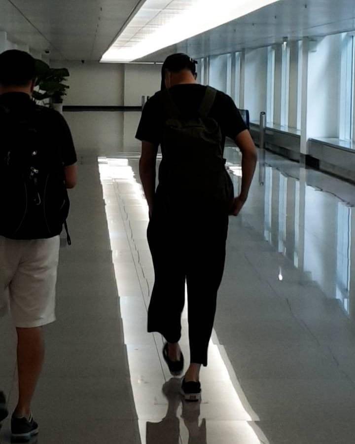 Rò rỉ ảnh Jo In Sung, Bae Sung Woo ở TP.HCM, fan tò mò liệu nhóm bạn thân toàn tài tử có rủ nhau đến Việt Nam? - Ảnh 1.