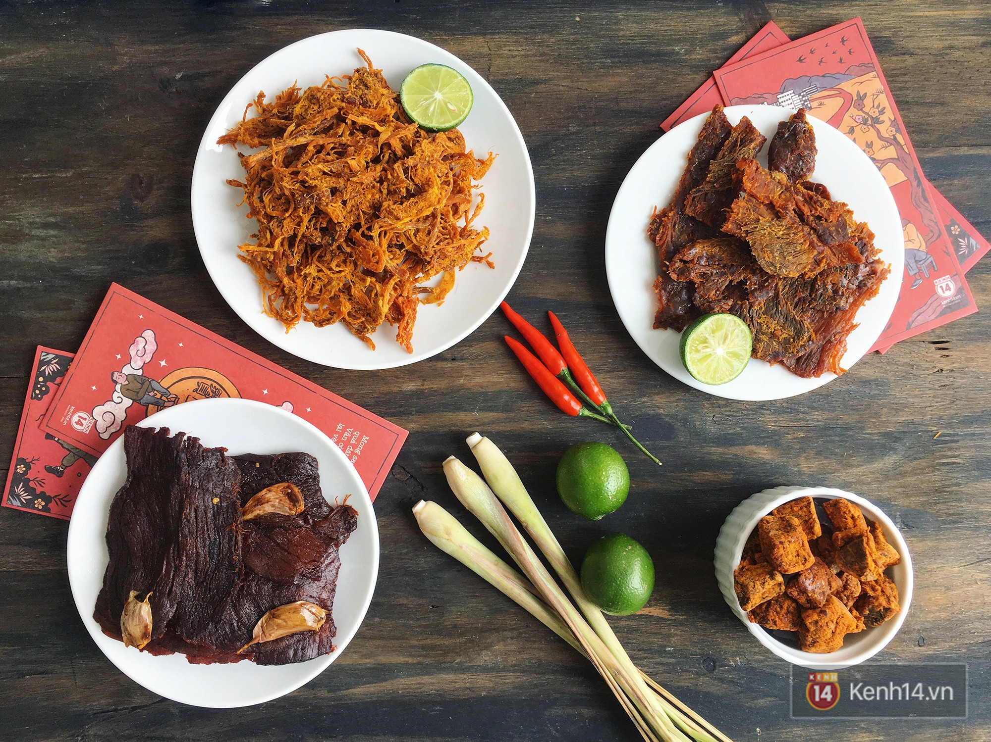 Tưởng chỉ là món ăn vặt lai rai nhưng hóa ra bò khô lại ngẫu nhiên trở thành topping trong loạt các món ăn Hà Nội này - Ảnh 1.