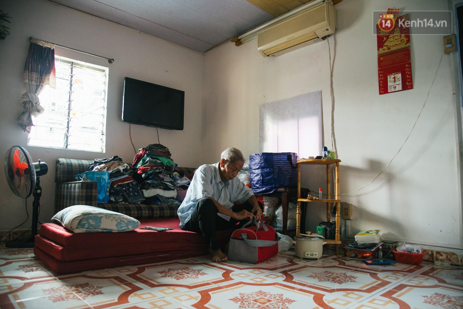 Chuyện ông cụ 77 tuổi ngồi ở thư viện Sài Gòn từ sáng đến tối mịt: Ăn cơm từ thiện, luyện học tiếng Anh - Ảnh 10.