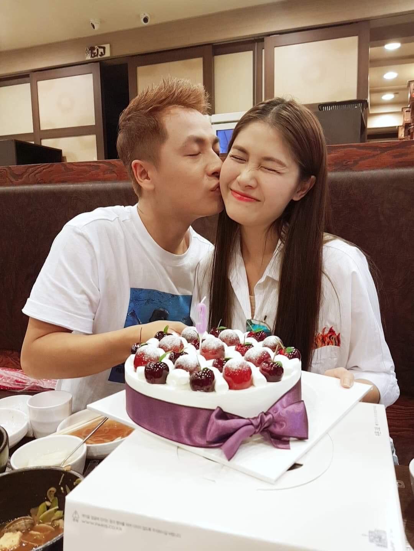 Trốn con, Đăng Khôi đưa bà xã Thủy Anh sang Hàn Quốc đón tuổi mới - Ảnh 2.