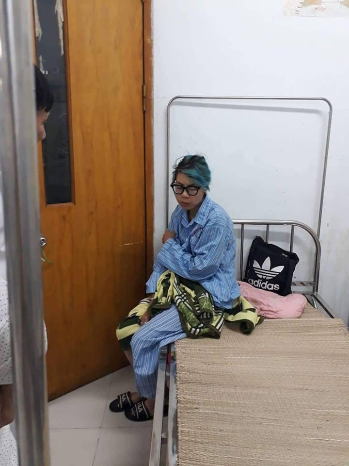 Bella thay đổi rất nhiều sau vài ngày điều trị ở Bệnh viện Tâm thần - Ảnh 2.