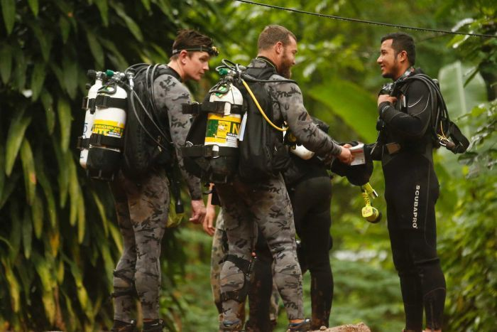 Hollywood immediately raided forces, hand-made film scene rescue the team in Thailand - Photo 4.