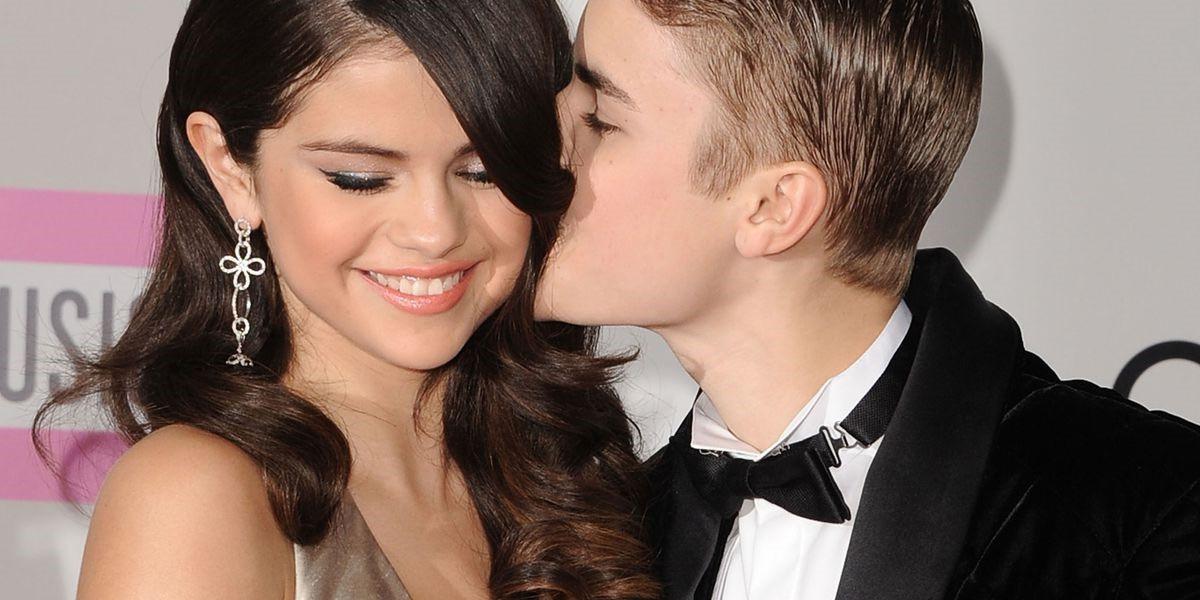 Tất tần tật những bài hát đầy tình cảm Justin Bieber và Selena Gomez từng viết về nhau - Ảnh 1.
