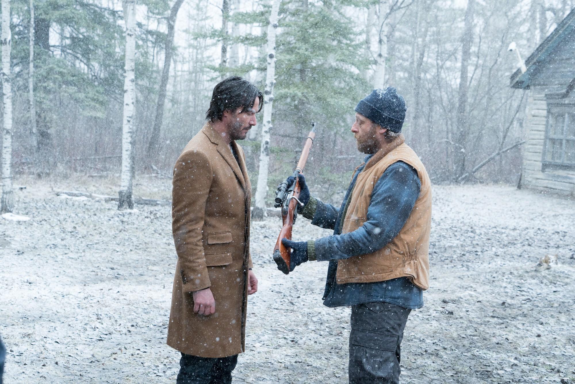 Buôn kim cương giả, Ông Kẹ Keanu Reeves lại còn dám bướng với mafia Nga - Ảnh 4.