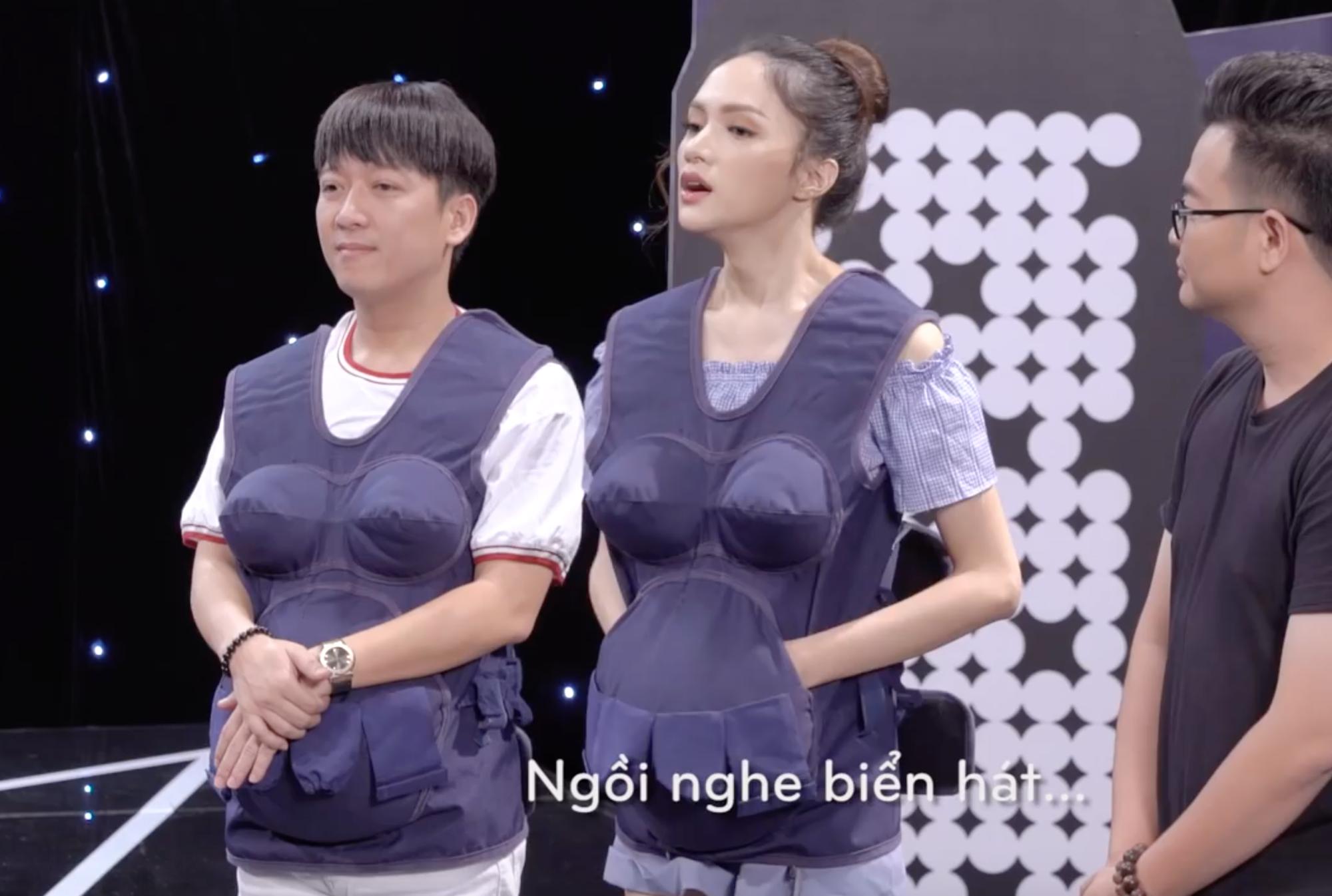 Clip: Ai cũng bật cười khi cặp đôi Trường Giang - Hương Giang khoe giọng - Ảnh 3.