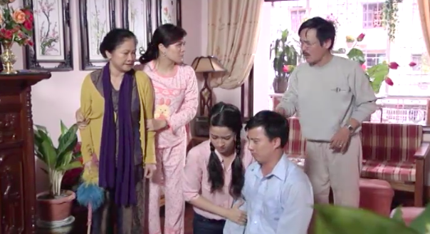 In contrast to Quỳnh Búp Bê, the wave film has serious family content - Photo 1.