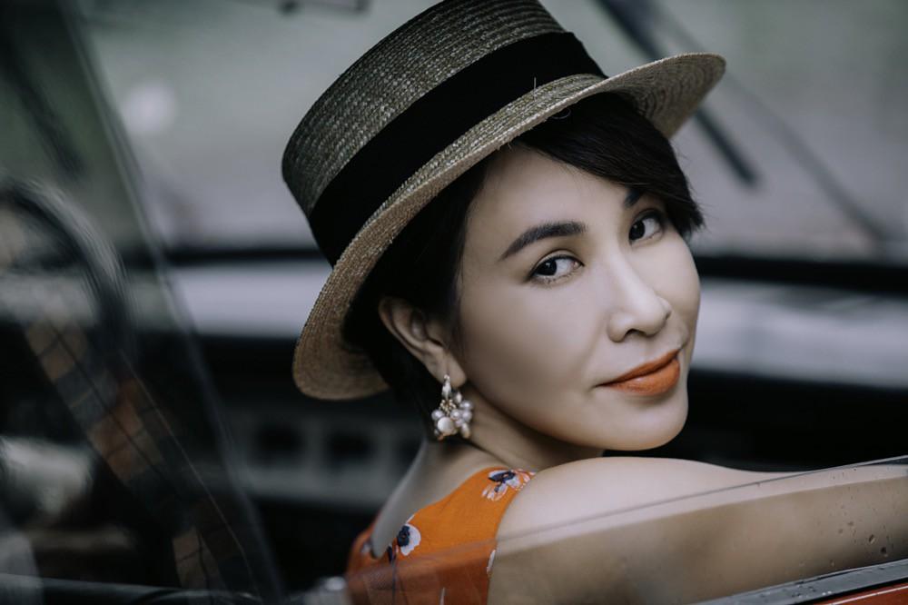 Uyên Linh kết hợp với NTK Trương Thanh Long lột tả cảm xúc chán chường của cặp đôi tan vỡ - Ảnh 2.