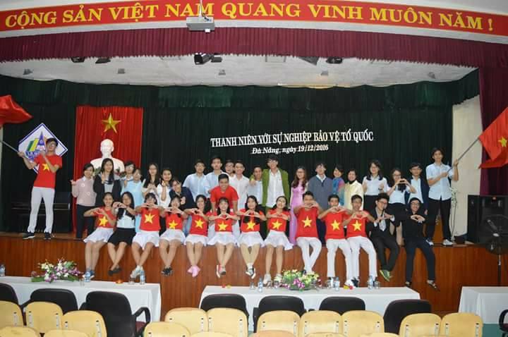 Nam sinh Đà Nẵng thủ khoa kép 2 môn Hóa - Sinh trong kỳ thi THPT Quốc gia 2018 - Ảnh 2.