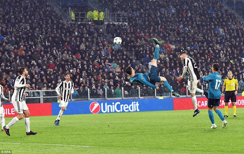 Có lẽ từ khoảnh khắc xúc động này, Ronaldo đã quyết định gia nhập Juventus - Ảnh 1.