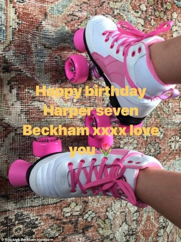 Sinh nhật 7 tuổi của Harper Beckham: Được cưỡi ngựa, thưởng thức trà và bánh kem hình kỳ lân đáng yêu - Ảnh 10.