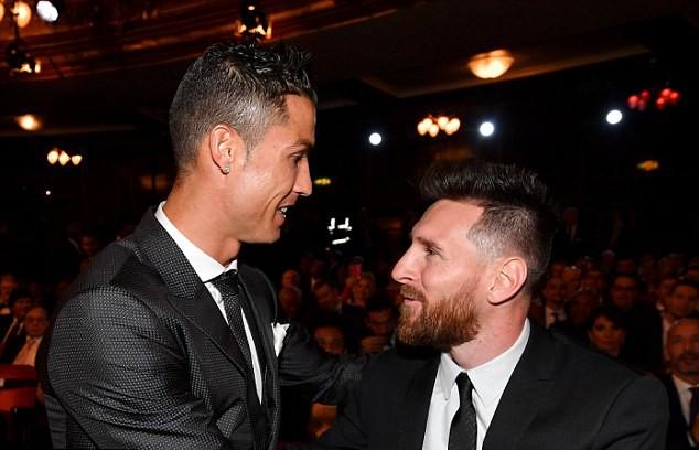 Ryan Giggs: Ronaldo bị ám ảnh hơn thua với Messi mới rời Real - Ảnh 1.