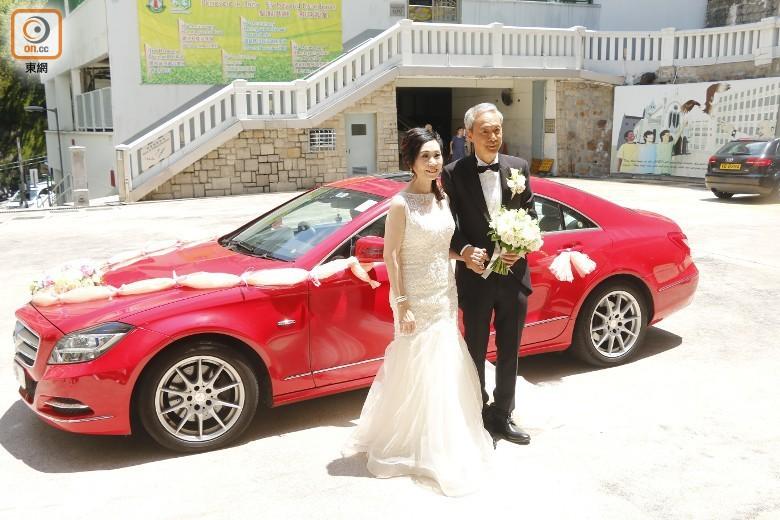 """Sao nam """"Lộc Đỉnh Ký"""" hạnh phúc tổ chức đám cưới ở tuổi 63, dàn sao TVB nô nức tới dự hôn lễ - Ảnh 8."""