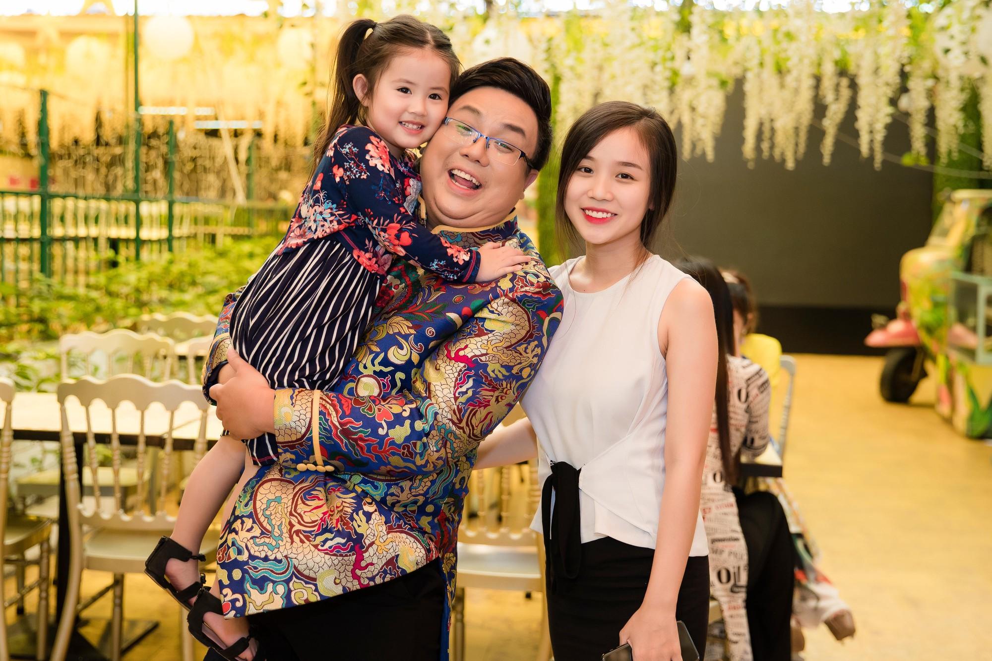 Gia Bảo cùng gia đình tài tử tổ chức minishow kỉ niệm 100 năm Cải lương Việt Nam - Ảnh 5.