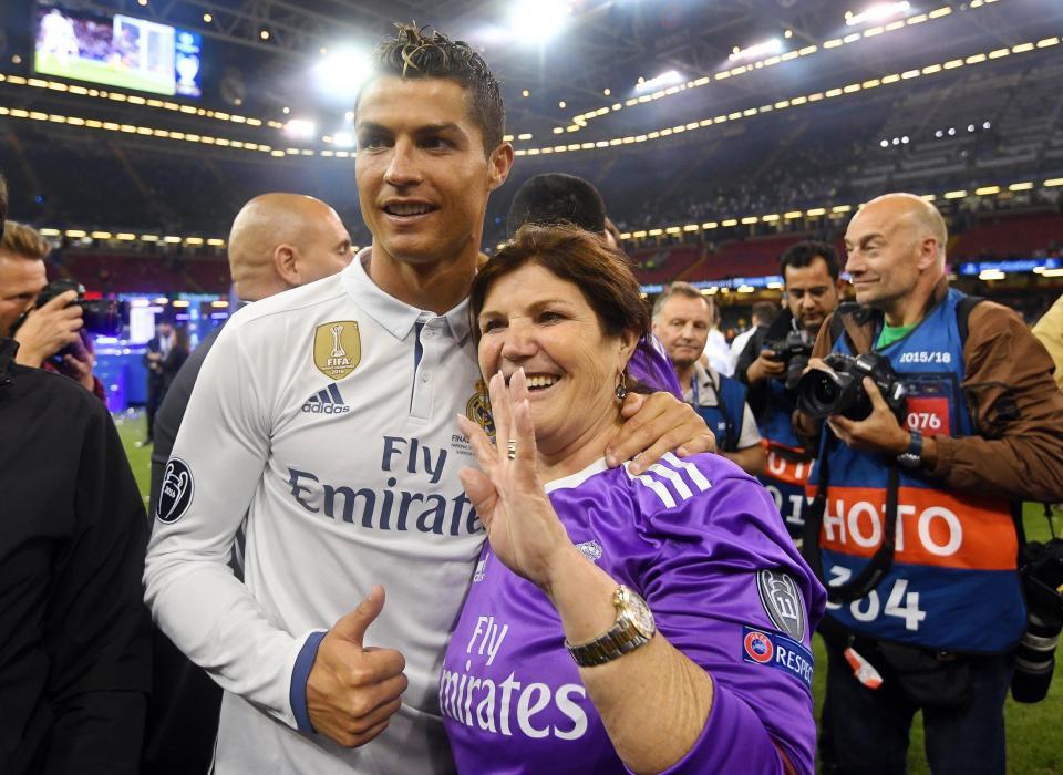 16 câu chuyện tuyệt vời khiến bạn phải có cái nhìn khác về Cristiano Ronaldo - Ảnh 7.