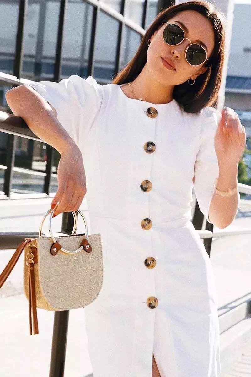 Sau cơn sốt váy trắng Zara, loạt váy liền cài khuy trước với đủ kiểu dáng đang đốn tim các nàng - Ảnh 5.