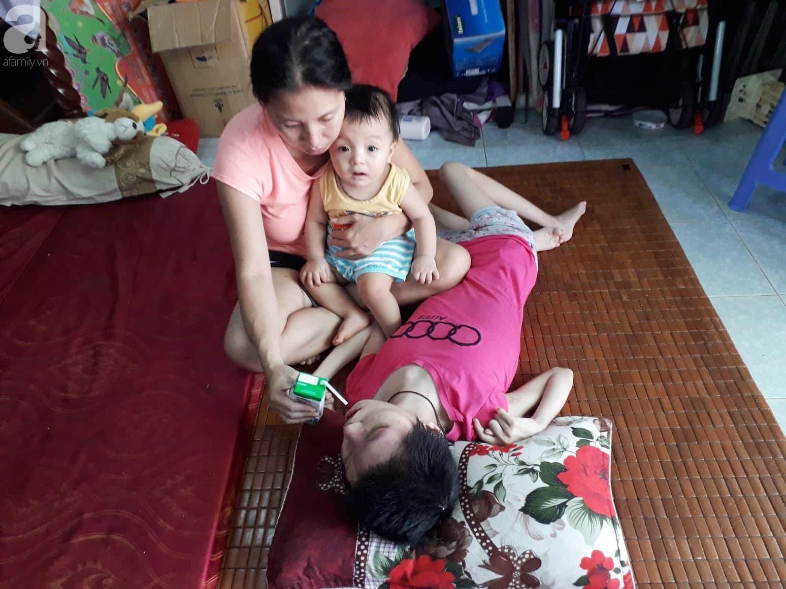 Đà Nẵng: Người mẹ nghèo nuôi 3 con thơ nheo nhóc, bất lực nhìn con gái 15 tuổi co giật vì bệnh u máu quái ác - Ảnh 7.