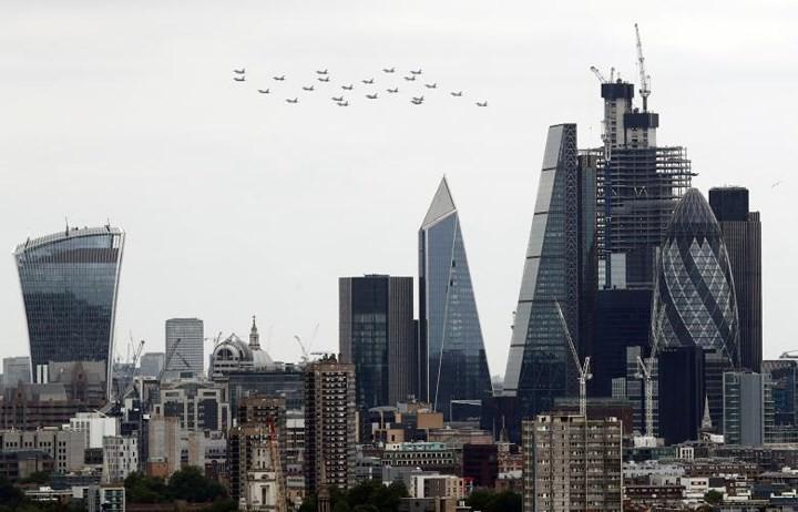 70.000 người mừng sinh nhật 100 tuổi của Không quân Hoàng gia Anh - Ảnh 7.