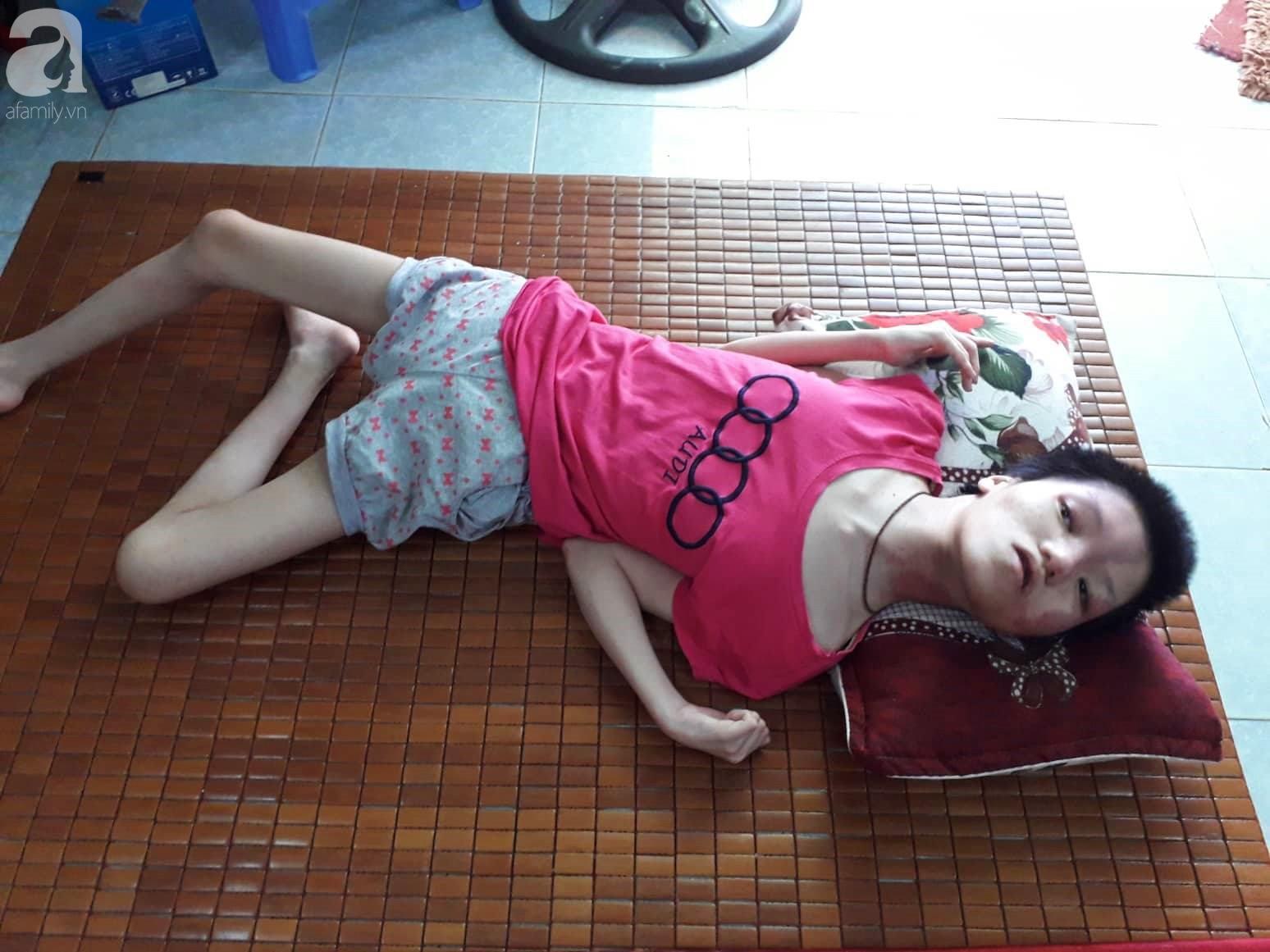 Đà Nẵng: Người mẹ nghèo nuôi 3 con thơ nheo nhóc, bất lực nhìn con gái 15 tuổi co giật vì bệnh u máu quái ác - Ảnh 10.