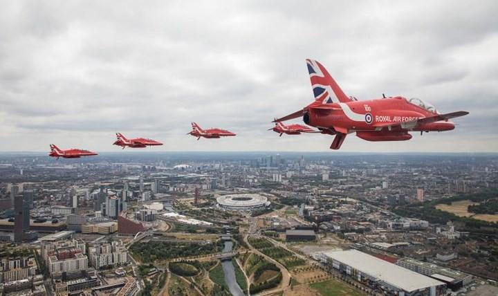 70.000 người mừng sinh nhật 100 tuổi của Không quân Hoàng gia Anh - Ảnh 10.