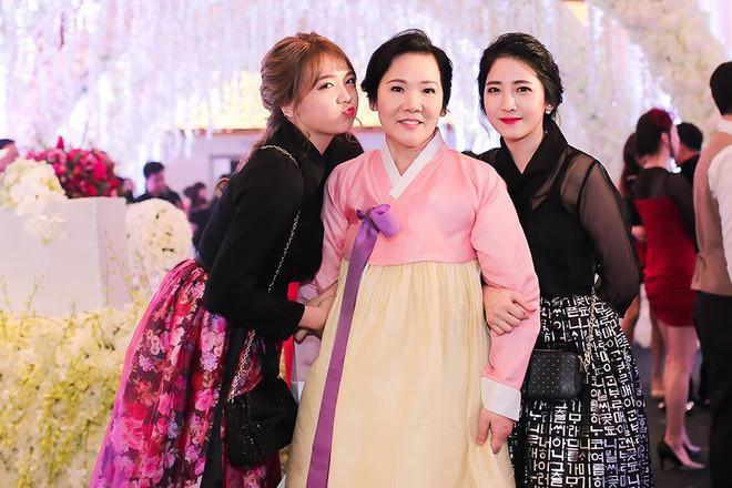 Em gái Hari Won gây bất ngờ khi ngày càng mảnh mai và xinh đẹp - Ảnh 2.
