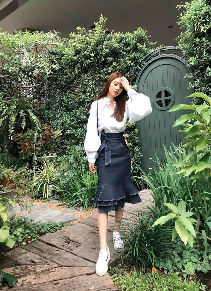 Bảo Anh diện váy hè không ngại vén cao táo bạo, Hà Hồ nghi án thả rông với áo ôm sát gợi cảm - Ảnh 7.