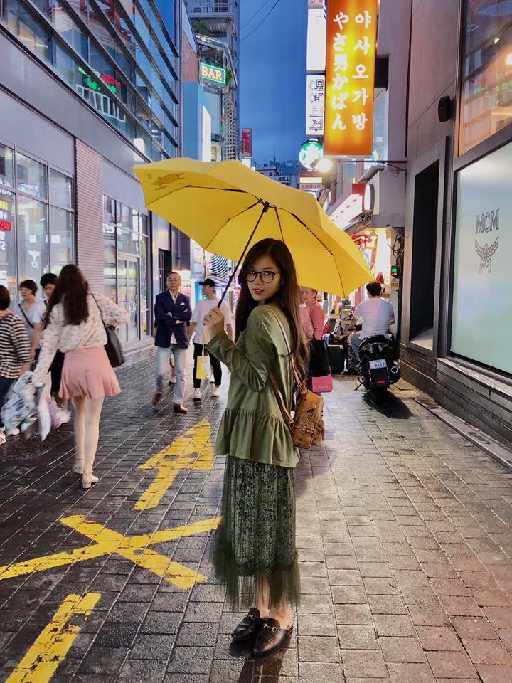 Bảo Anh diện váy hè không ngại vén cao táo bạo, Hà Hồ nghi án thả rông với áo ôm sát gợi cảm - Ảnh 10.