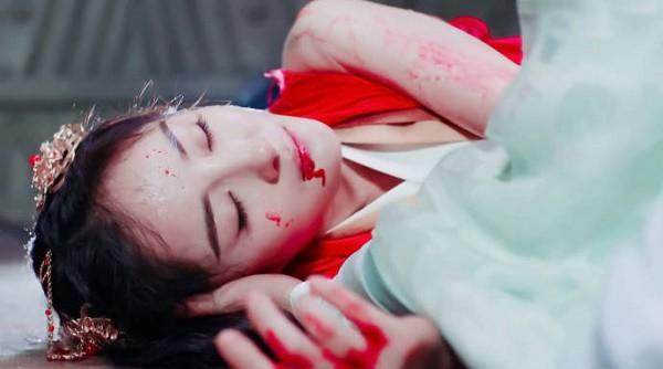 """""""Phù Dao"""": Dương Mịch suýt bị tên bạo dâm cưỡng hiếp, thân xác hoang tàn khiến khán giả không khỏi xót xa! - Ảnh 10."""