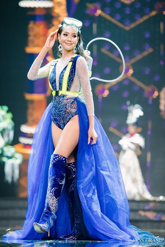 Dàn thí sinh Hoa hậu Hòa bình Thái Lan: Người cưỡi khủng long, kẻ biến thành tô tom yum chua cay trên sân khấu - Ảnh 4.