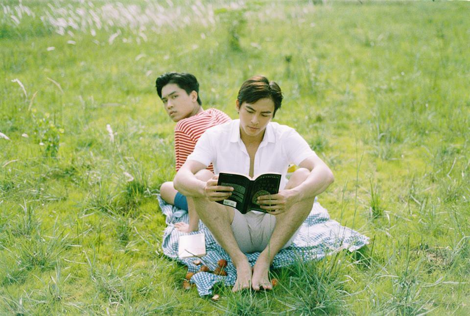 Mùa hè rực rỡ, dịu êm và rất tình của hai chàng trai trong bộ ảnh Theo anh về nhà - Ảnh 13.