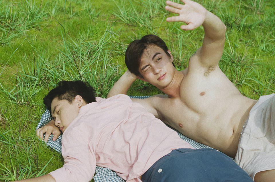 Mùa hè rực rỡ, dịu êm và rất tình của hai chàng trai trong bộ ảnh Theo anh về nhà - Ảnh 2.