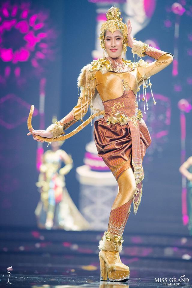 Dàn thí sinh Hoa hậu Hòa bình Thái Lan: Người cưỡi khủng long, kẻ biến thành tô tom yum chua cay trên sân khấu - Ảnh 12.