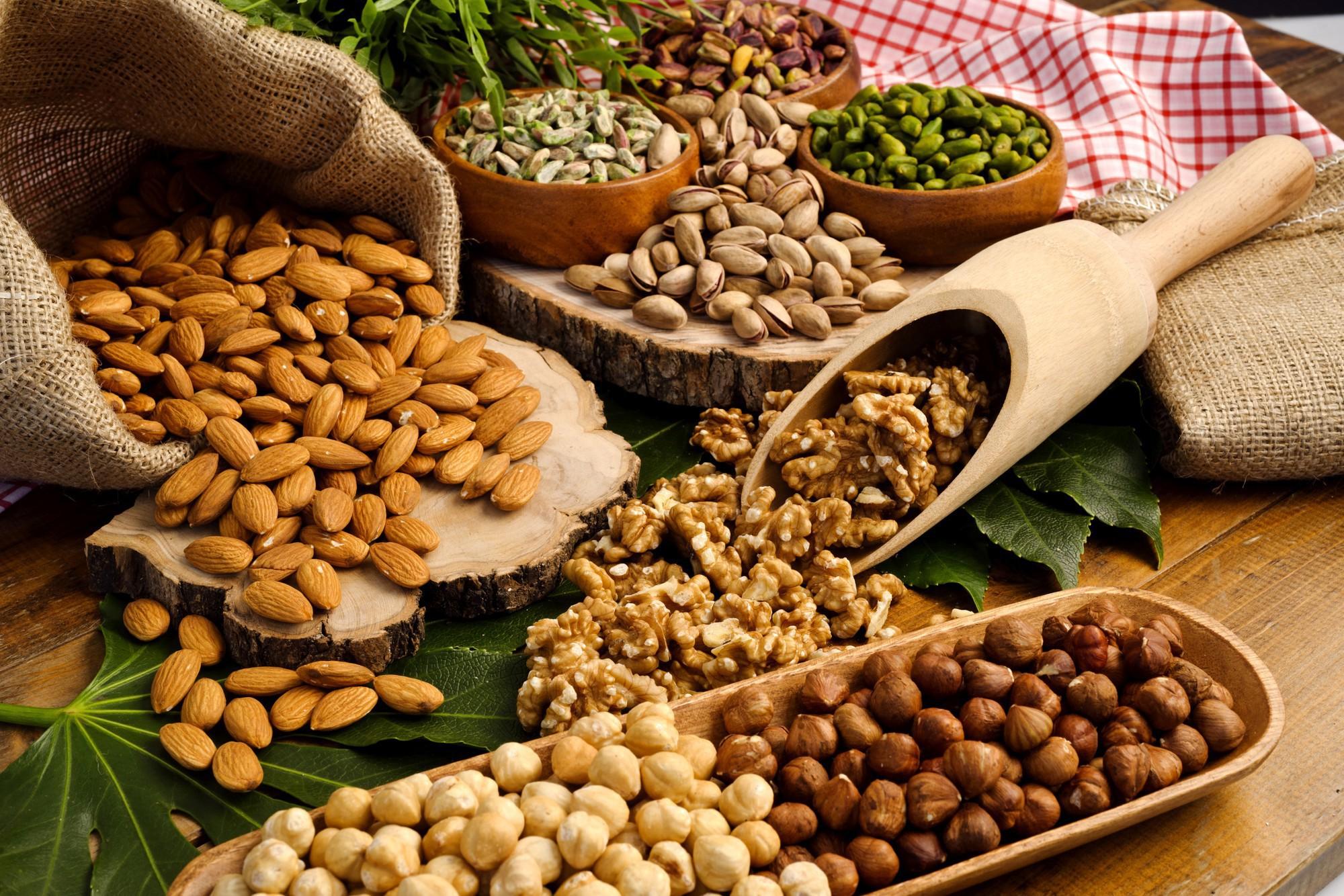 Chăm ăn 7 loại thực phẩm này giúp da giảm hẳn tình trạng nhờn mụn trong mùa hè - Ảnh 4.