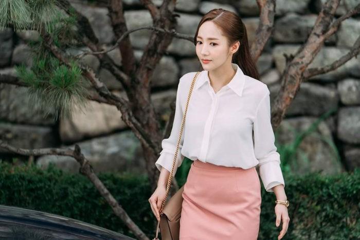 5 kiểu áo blouse được thư ký Kim lăng xê: thanh lịch, cuốn hút và các cô nàng công sở hoàn toàn có thể học theo - Ảnh 2.