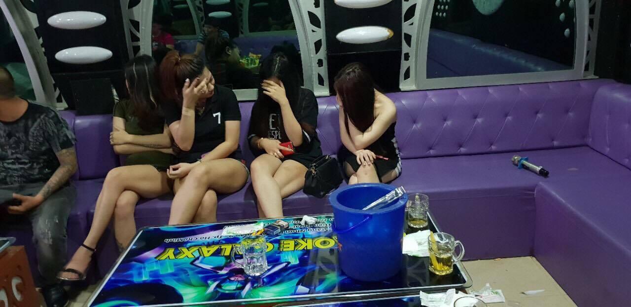 TP. HCM: Gần 40 dân chơi nghi phê ma tuý ở quán bar Paradise - Ảnh 1.